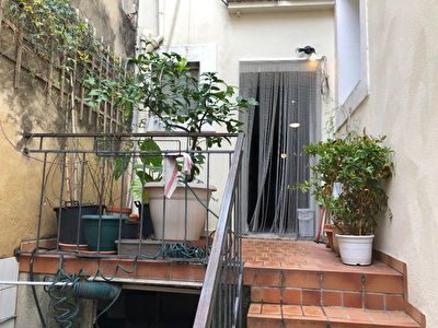 A VENDRE-MONPELLIER-FABREGUES  IMMEUBLE-R+2